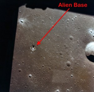 Base Lunaire Extraterrestre