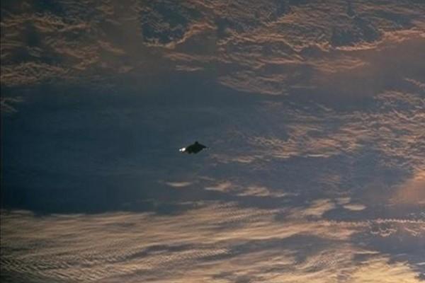 D'autres photos secrètes d'ovnis de la NASA 6