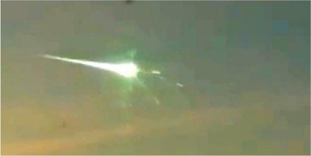 La météorite en Russie interceptée par un ovni?