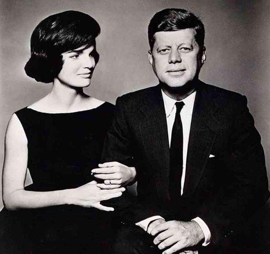 JFK assassiné à cause des OVNIS ?