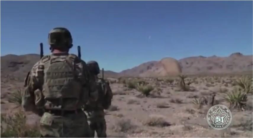 Une créature extraterrestre trouvée dans le désert par l'armée américaine