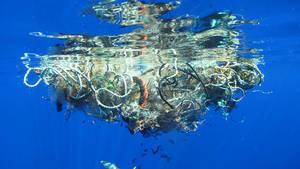 Pollution : du plastique disparaît mystérieusement de la surface des océans