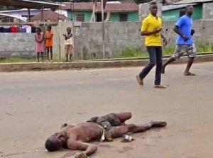 Ebola: Toute la population du Sierra Leone placée en quarantaine