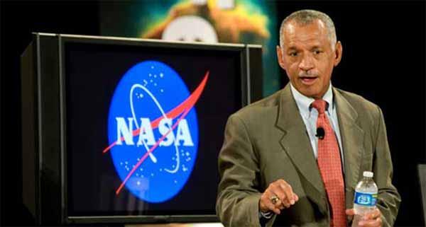 « Je suis allé dans la zone 51? et « les extraterrestres existent » a dit l'Administrateur de la NASA