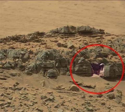 Une pierre en forme de 'soleil' photographiée sur Mars