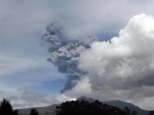 Réveil du volcan Cotopaxi, l'un des plus dangereux du monde