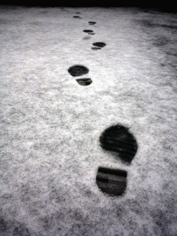 footprints_in_the_snow_Hinterkaifeck