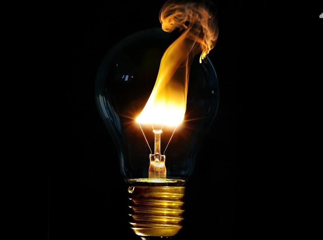 Des physiciens créent de la lumière solide !