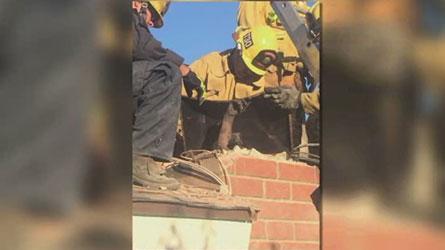 Insolite: Coincée dans la cheminée en essayant d'entrer chez son copain