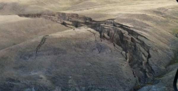 Des fissures monstrueuses sont apparues à Yellowstone sur les Montagnes Big Horn
