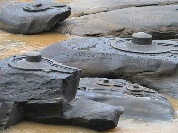 Une rivière Indienne s'assèche et révèle d'anciens secrets