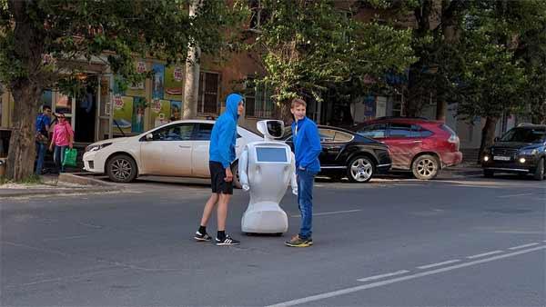 Le robot russe amoureux de la Liberté sera démonté après sa deuxième tentative d'évasion