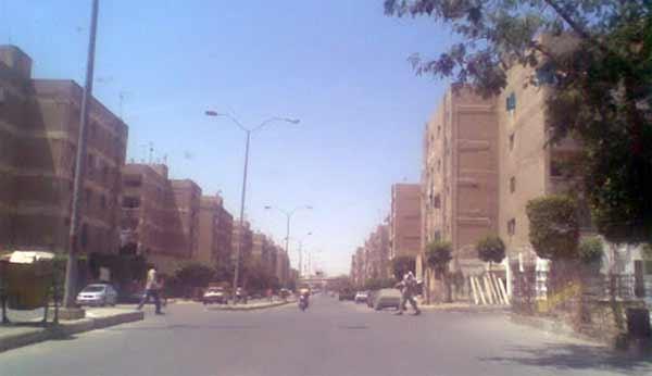 Google Street: Des géants de trois mètres de haut à Gizeh