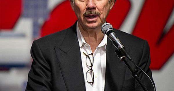 Le milliardaire Robert Bigelow en étroite collaboration avec la NASA est « absolument convaincu » qu'il y a des extraterrestres sur Terre