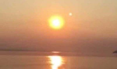 Une planète monstrueuse dans le ciel. La Planète X / Nibiru en pleine vue, Images HD Alaska Mexique