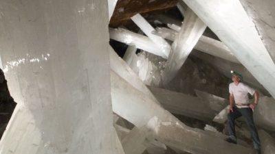 Des bactéries âgées de plusieurs milliers d'années prisonnières de cristaux géants
