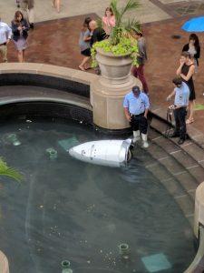 Une première: Un robot se suicide