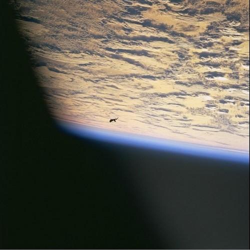 D'autres photos secrètes d'ovnis de la NASA 1
