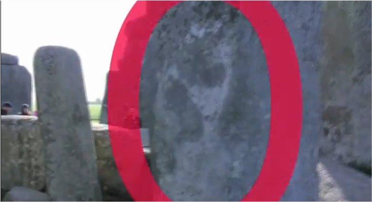 Un extraterrestre gravé à Stonehenge