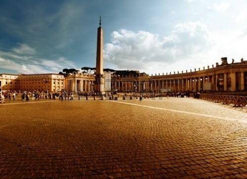 Une race non humaine au Vatican?