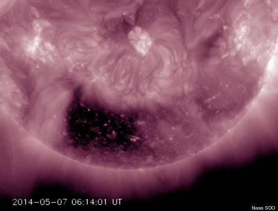 Un trou noir carré apparaît sur le Soleil