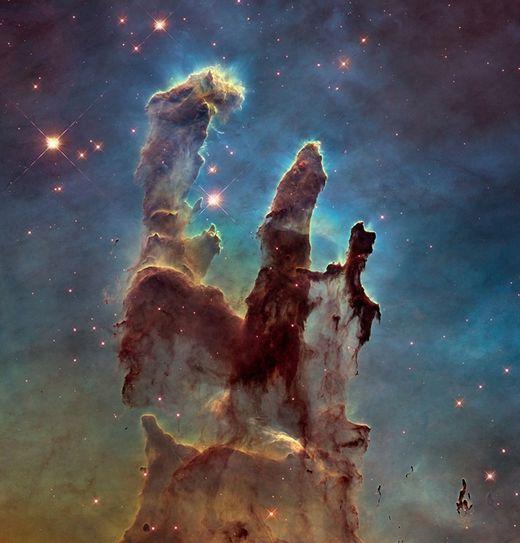 Hubble livre un nouveau visage spectaculaire des ''Piliers de la création''
