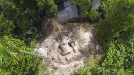 Un temple aquatique Maya découvert au Belize