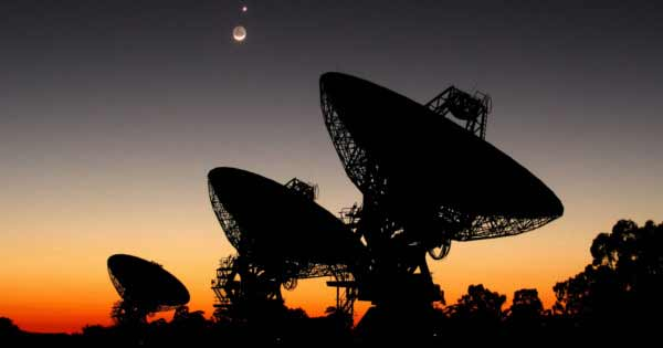Des scientifiques de l'Université de Californie confirment la réception d'un signal radio extraterrestre