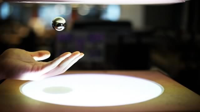 Les scientifiques Russes parlent de leurs recherches sur l'antigravité à la TV !