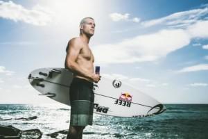 Le surfeur Mick Fanning attaqué par un requin en pleine finale du J-Bay Open 2015