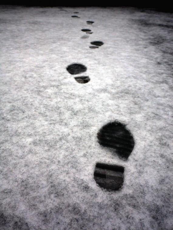footprints_in_the_snow_Hinterkaifeck