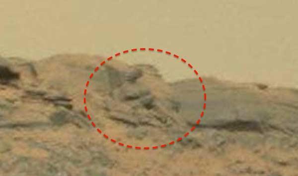 La statue incroyable d'un Dieu martien découverte sur Mars!