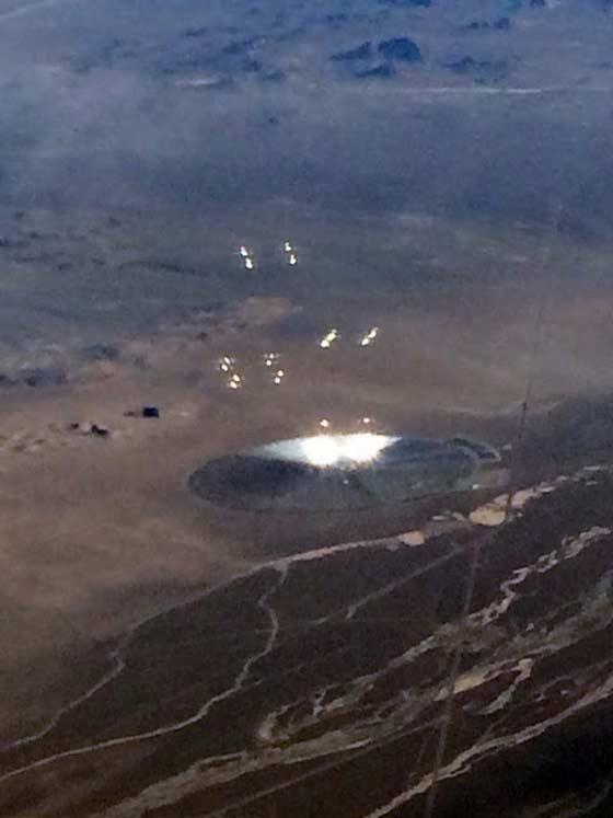 Le passager d'un vol d'American Airlines a photographié un Ovni au dessus de Gabbs, Nevada