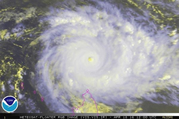 Mega Séisme et Tsunami sur la Côte Ouest et un Cyclone se dirige vers Madagascar