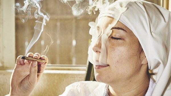 Des nonnes californiennes cultivent et fument le cannabis