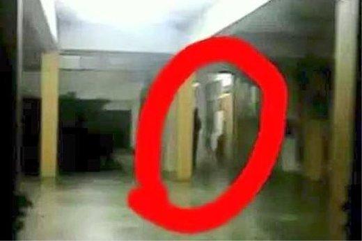 L'apparition d'une étrange forme sombre dans une école malaisienne provoque une hystérie collective