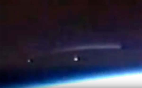 Vidéo: Un OVNI géant observé depuis la station spatiale