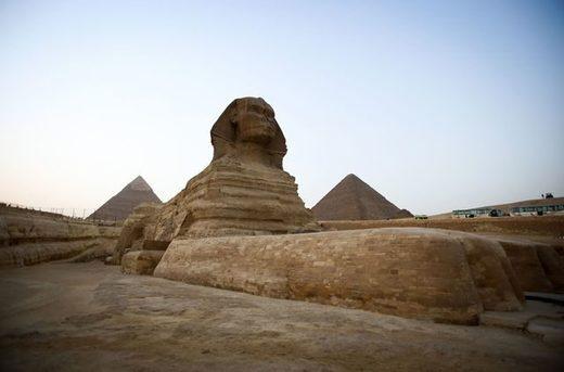 Une nouvelle pyramide découverte près du Caire