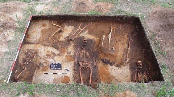 Des milliers d'artéfacts découverts lors des fouilles d'une ancienne cité retrouvée en Pologne