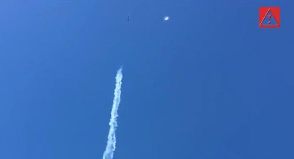 Chili: Un OVNI croise de justesse un avion militaire