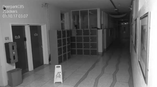 Un fantôme filmé dans un lycée à Cork en Irlande