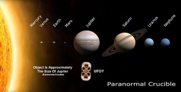 Un OVNI de la grosseur de Jupiter frôle le Soleil