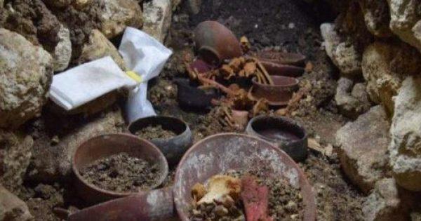 Une tombe royale maya inviolée découverte au Guatemala