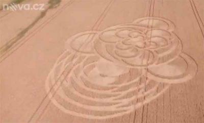 Un crop circle est apparu dans un champ dans la région de Liberec