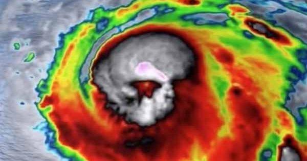 Preuve que les extraterrestres Petits Gris ont créé l'Ouragan Michael sur une image satellite