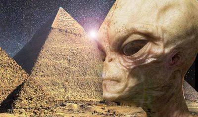 """Affirmation CHOC sur l'Egypte : """"La preuve est devant nos yeux"""" que les pyramides ont été """"construites par des extraterrestres"""""""