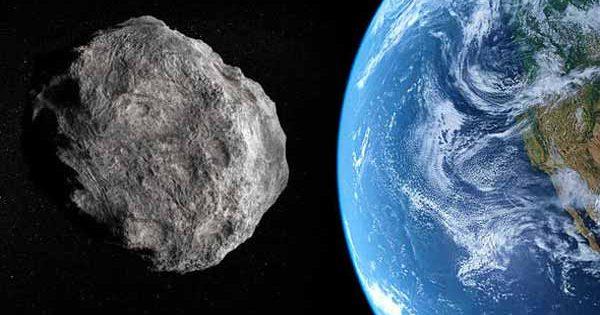 La NASA nous prévient : un astéroïde de 120 mètres de large va frôler la Terre aujourd'hui