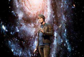 """Pourquoi Brian Cox a-t-il admis qu'il est """"TERRIFIÉ"""" par la vie extraterrestre ?"""