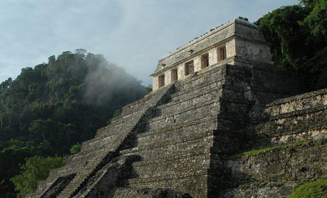 Les dépouilles d'une reine et d'un roi mayas découvertes dans la jungle au Guatemala