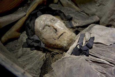 L'exhumation d'un ancien pape pourrait révéler d'incroyables secrets